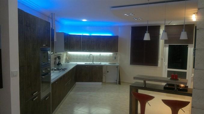 vend f4 grand standing. Black Bedroom Furniture Sets. Home Design Ideas